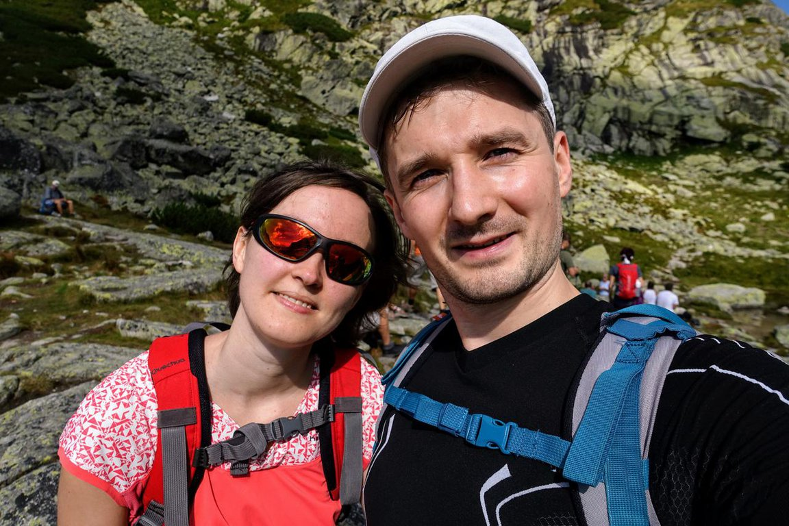 Couple_hiking_to_Bystrá_lávka_High_Tatra_mountains_Slovakia.JPG