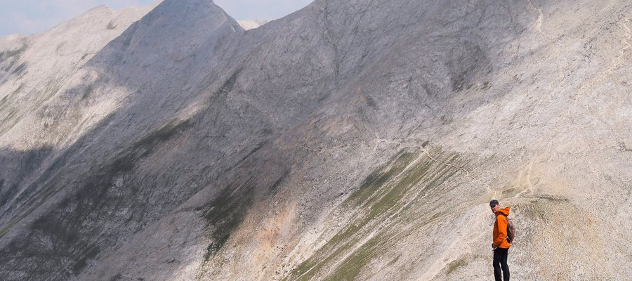 Hiking Vihren mountain and Koncheto Ridge in Pirin National Park.jpg