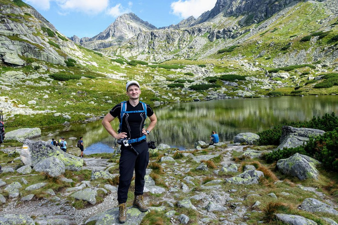 Hiking_in_Mlynická_valley_High_Tatra_mountains.JPG