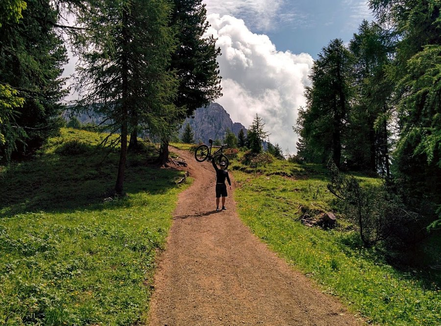 trail 120 leading to Rifugio Città di Carpi - Dolomites