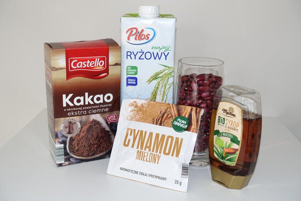Ingredients for red kidney vegan pudding