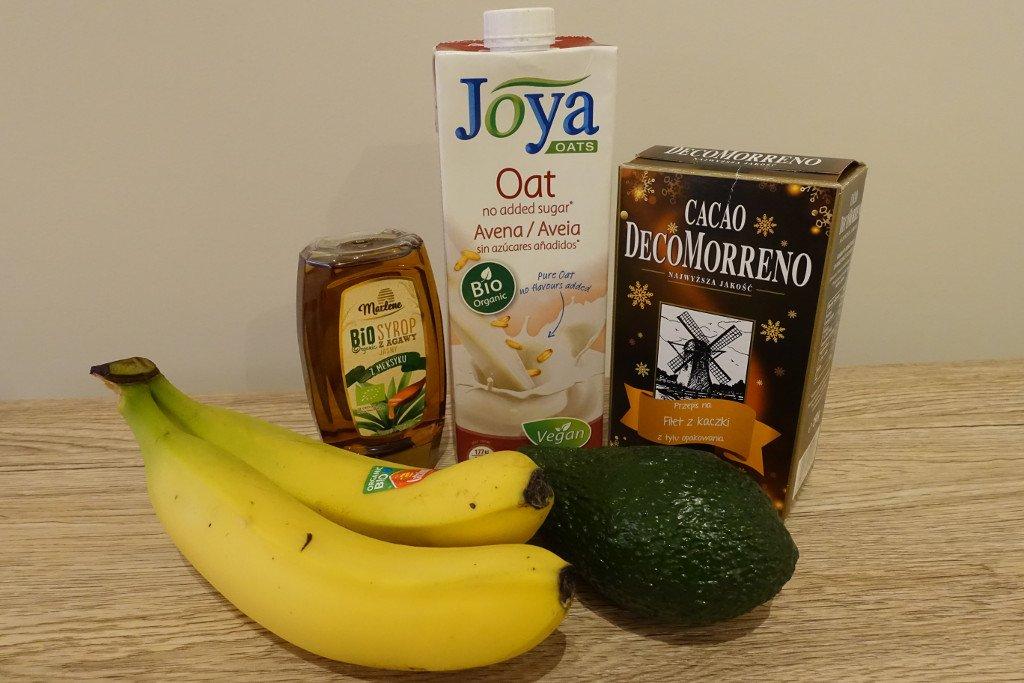 Ingredients for vegan avocado and banana pudding