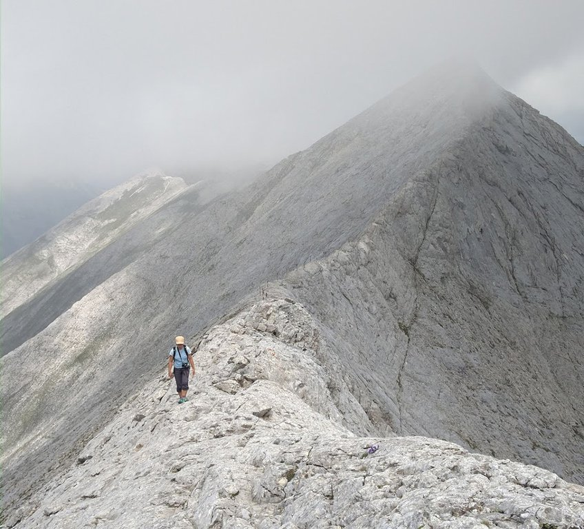 Koncheto Ridge trail, Pirin National Park in Bulgaria.jpg