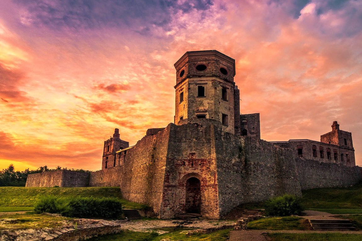 Krzyztopor castle in Ujazd, Poland attractions