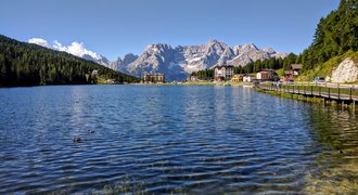 Misurina mountain resort in Dolomites, Italy.jpg