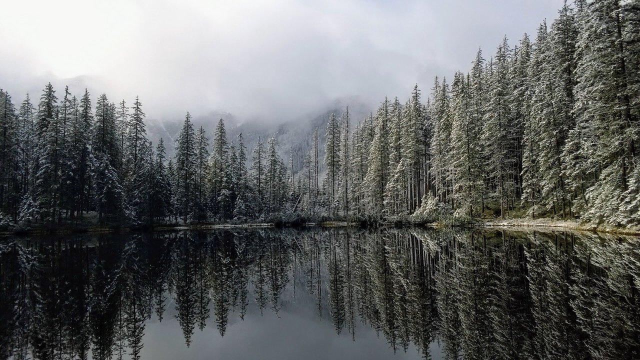 Smreczynski Staw pond, Tatra National Park, Poland