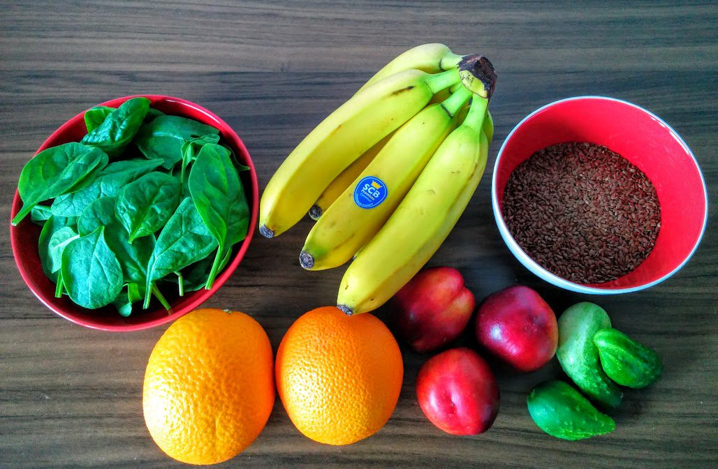 Fruits, veggies and flaxseeds